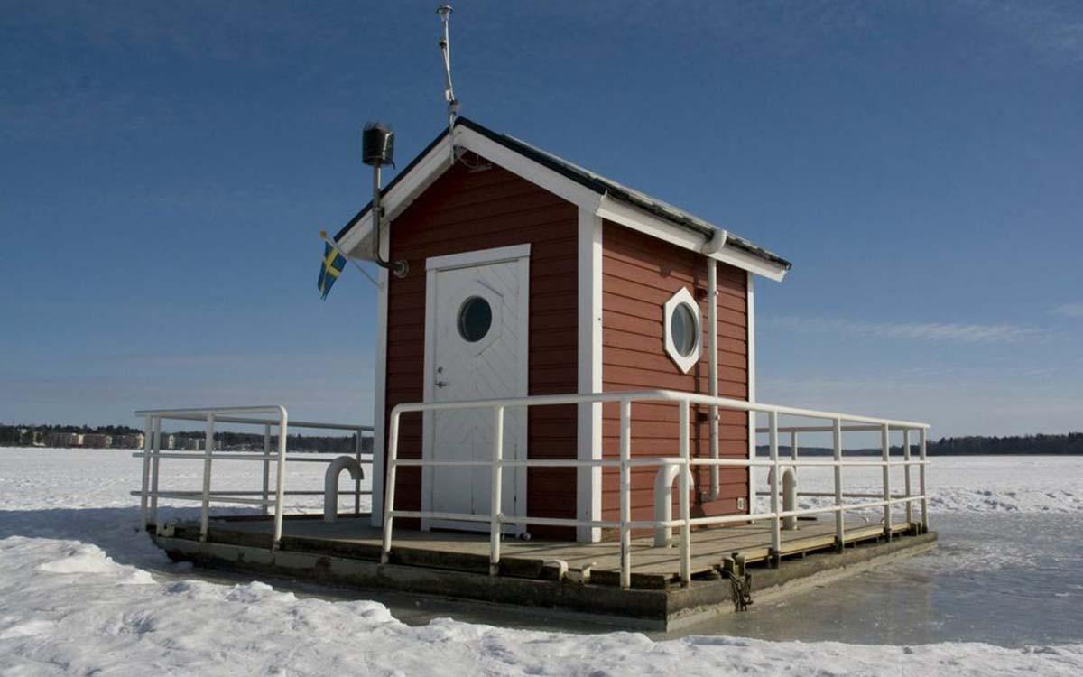 large_utter-inn-hotel-lake-malaren-sweden-shutterstock_716360839_aa172b4e07