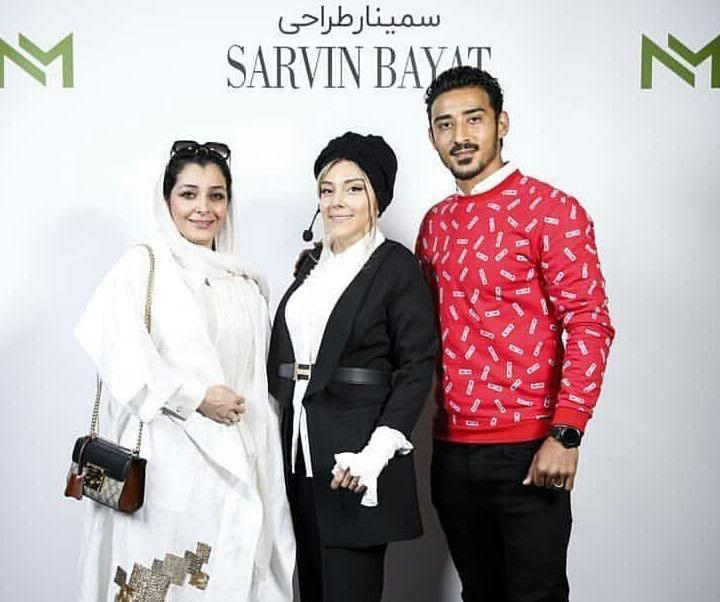 ساره بیات در کنار خواهر و شوهرخواهرش رضا قوچان نژاد