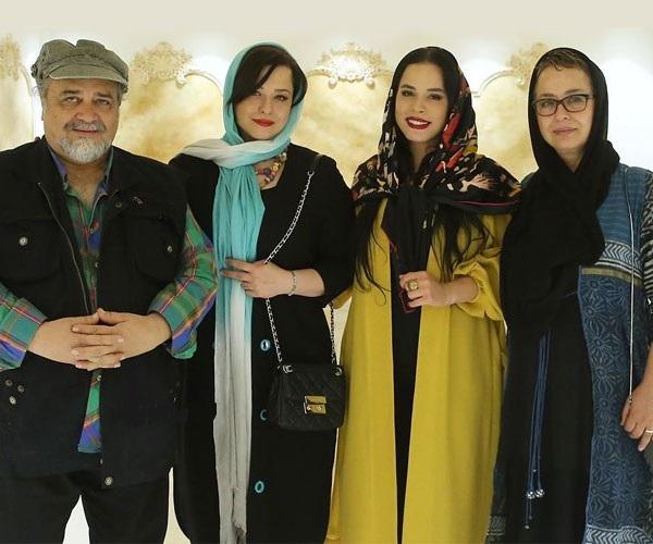 محمدرضا شریفی نیا و دخترانش و آزیتا حاجیان