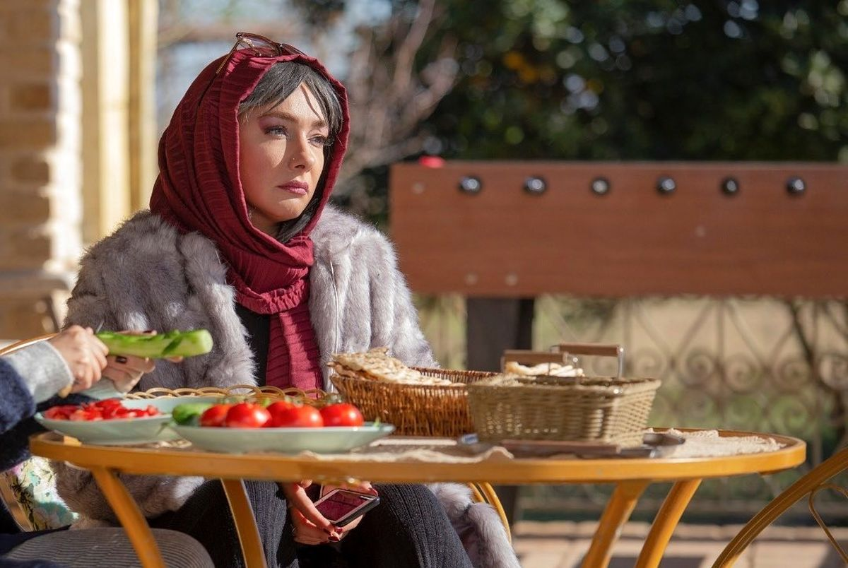 عکس متفاوت هانیه توسلی در حال گریم!