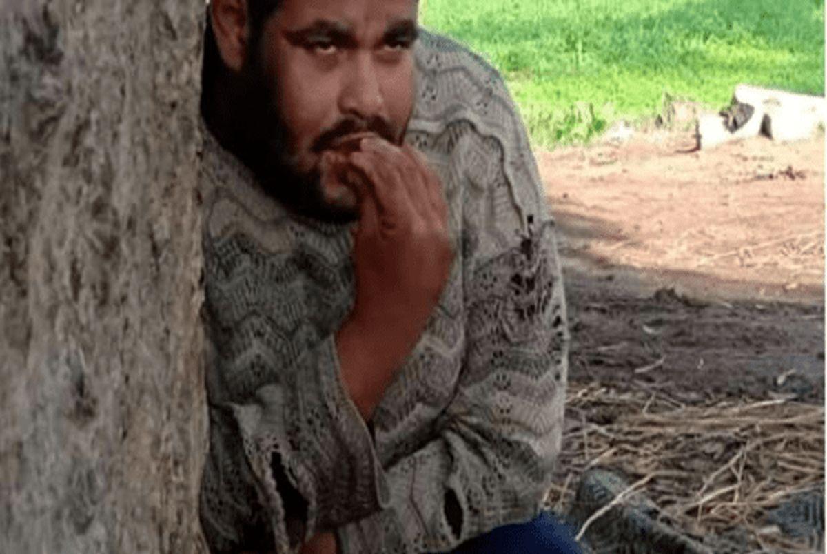مادر بی رحم پسرش را ۱۵ سال به یک درخت بست!