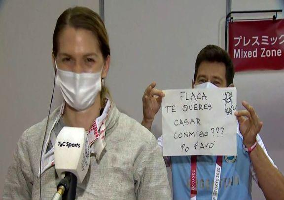 (ویدیو) خواستگاری مربی شمشیربازی آرژانتین از شاگردش در المپیک!