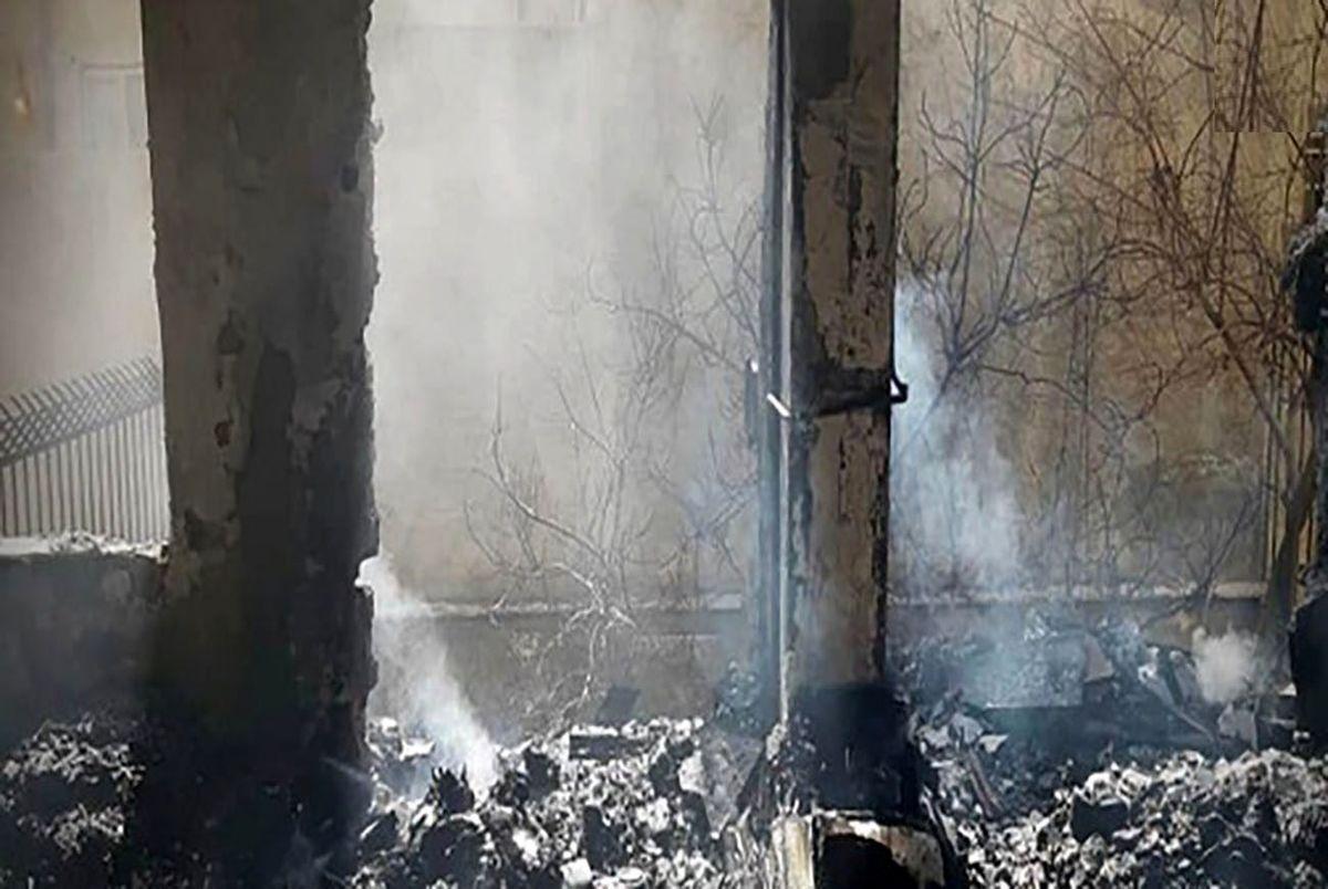 نجات نفس گیر 2 کرجی از میان دود و آتش