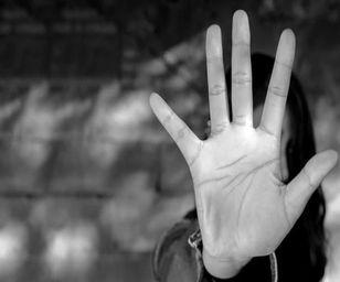 تعرض 5 شیطان صفت به دختر 19 ساله مشهدی جلوی چشم نامزدش!